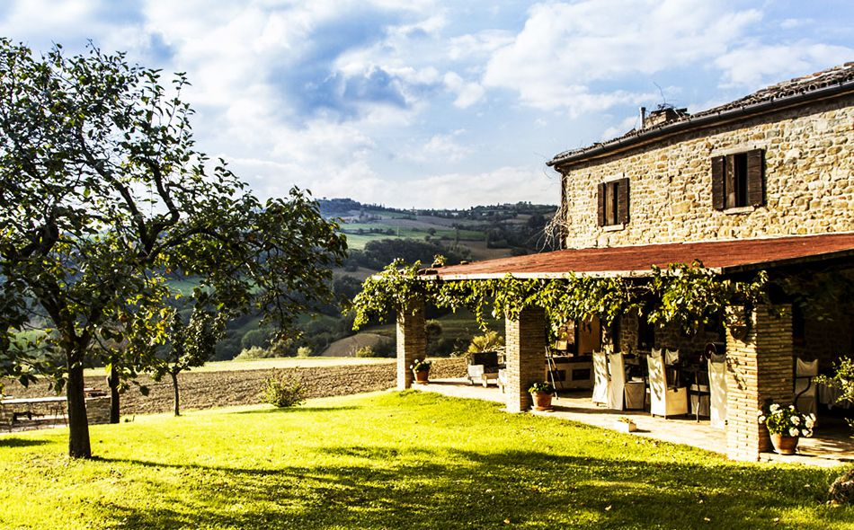 A cottage of tranquility and luxury in Le Marche's heart