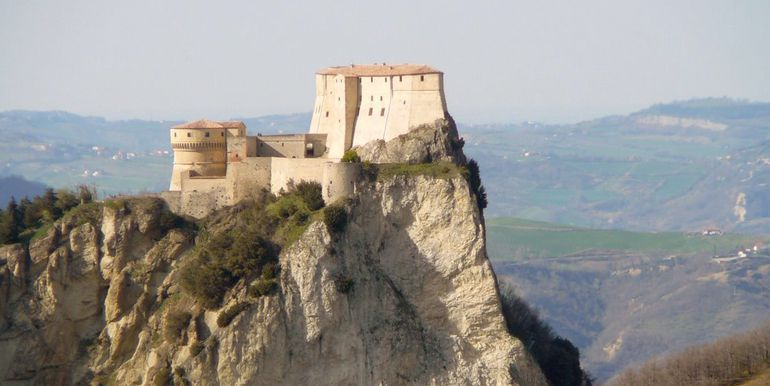 MONTEFELTRO LANDS TOUR weekend stay