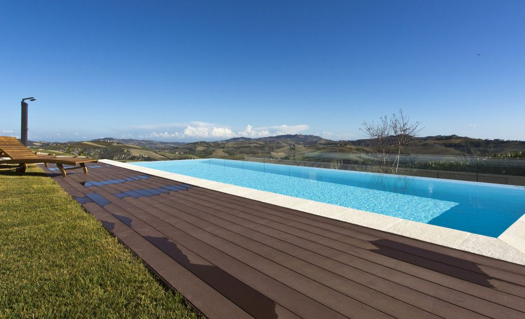 A unique Villa overlooking a splendid panorama of Le Marche